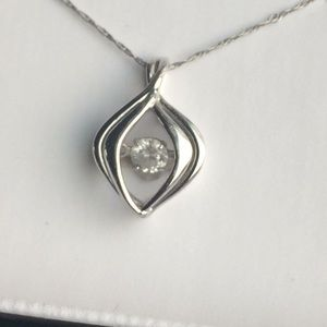 Jewelry - Diamond and white gold necklace